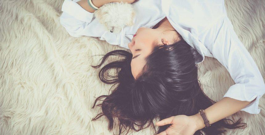how to sleep better-girl sleeping